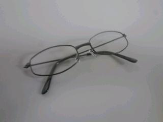 老眼鏡というより…