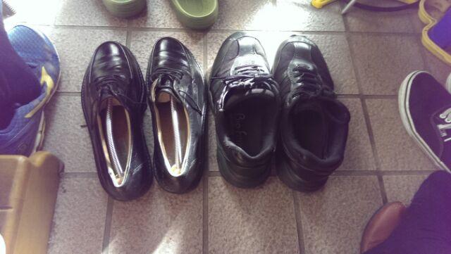 革靴通勤に戻った